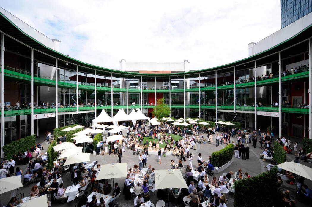 Messe Basel Halle 2 Art Basel Vernissage